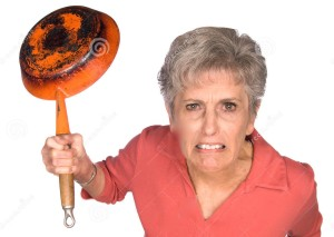 angry-woman-frying-pan-8683855